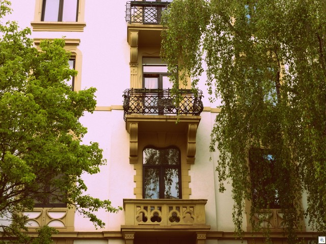 Gelbe Balkone
